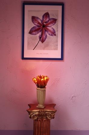 Jak łatwo powiesić obraz, nie niszcząc ścian?