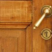 Drzwi wejściowe – wymieniamy zamek