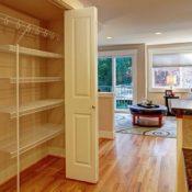 Drzwi harmonijkowe – jak je zamontować samodzielnie?