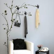 Naklejki winylowe na ścianę – pomysły i porady