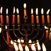 Nie ma świecy bez świecznika!
